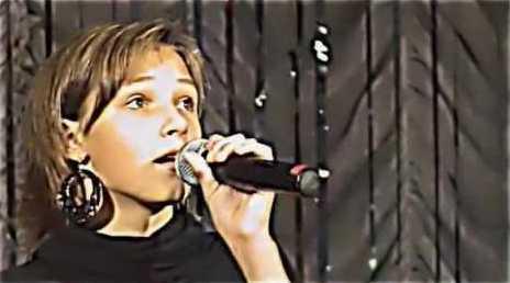 Певица и участница группы «Русский стилль» Катя Денисова, ее биография и личная жизнь.