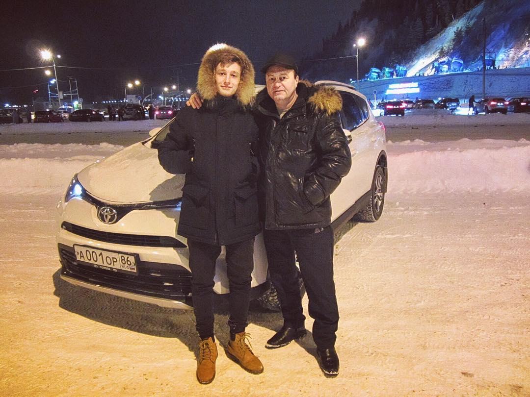 Кирилл с отцом