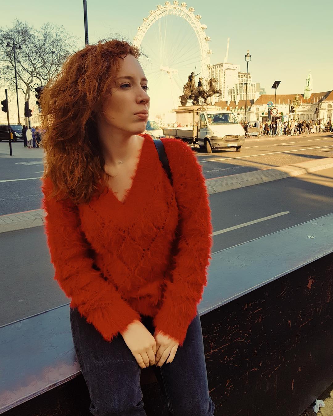 """Ведущая на телевидении, блогер Ютуб канала """"А поговорить?"""" Ирина Шихман, ее биография и личная жизнь."""