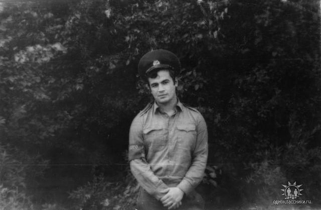 Олег Парастаев в юности