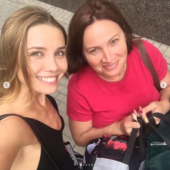 Анастасия Кривошеева с мамой