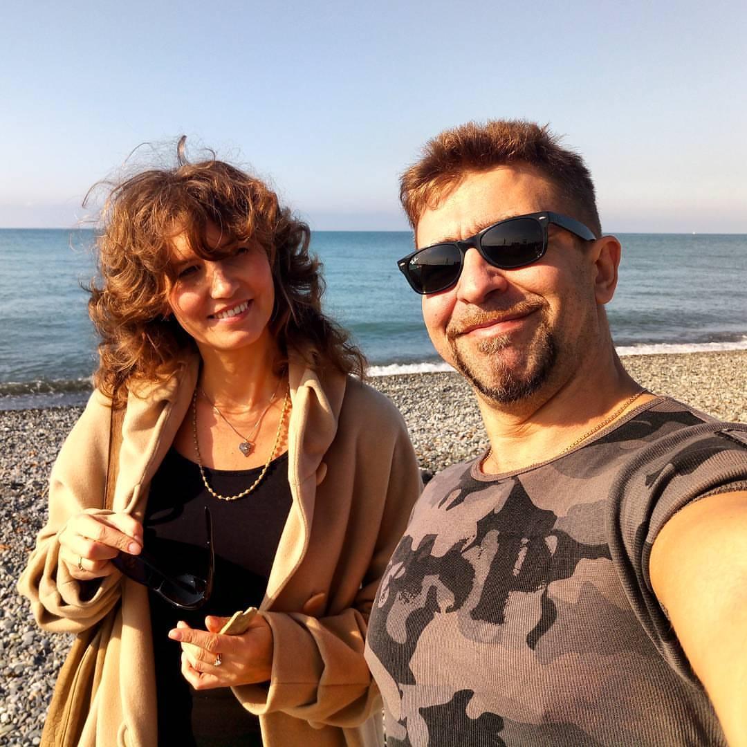 Антон Петряков с женой