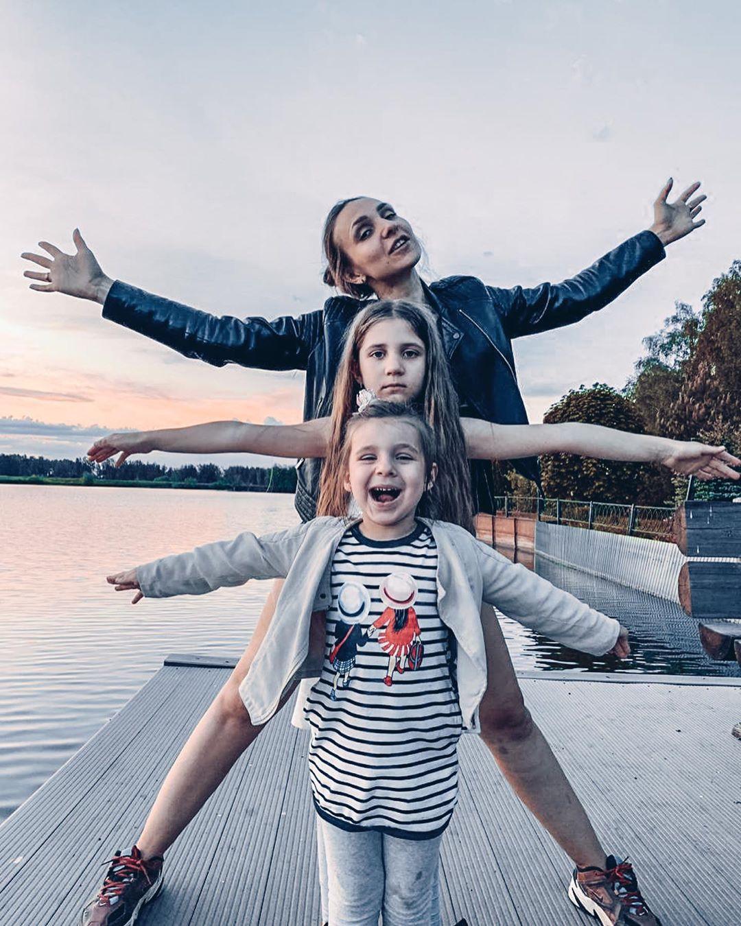 Ольга Качанова с дочерьми