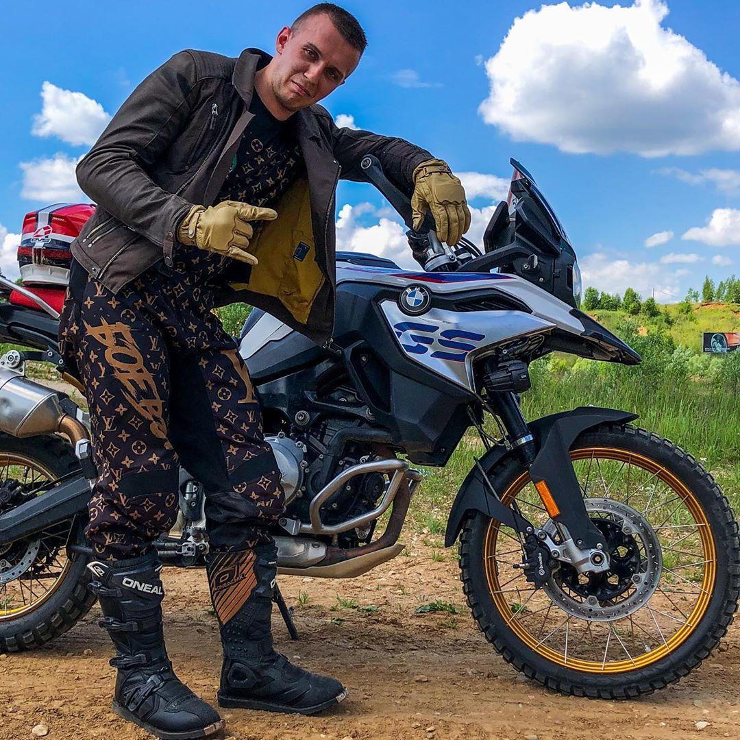Андрей Скутерец: биография YouTube блогера